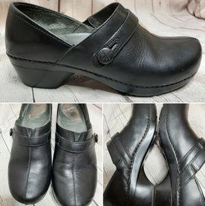 Dansko Solstice Leather clogs size 10.5 / 11